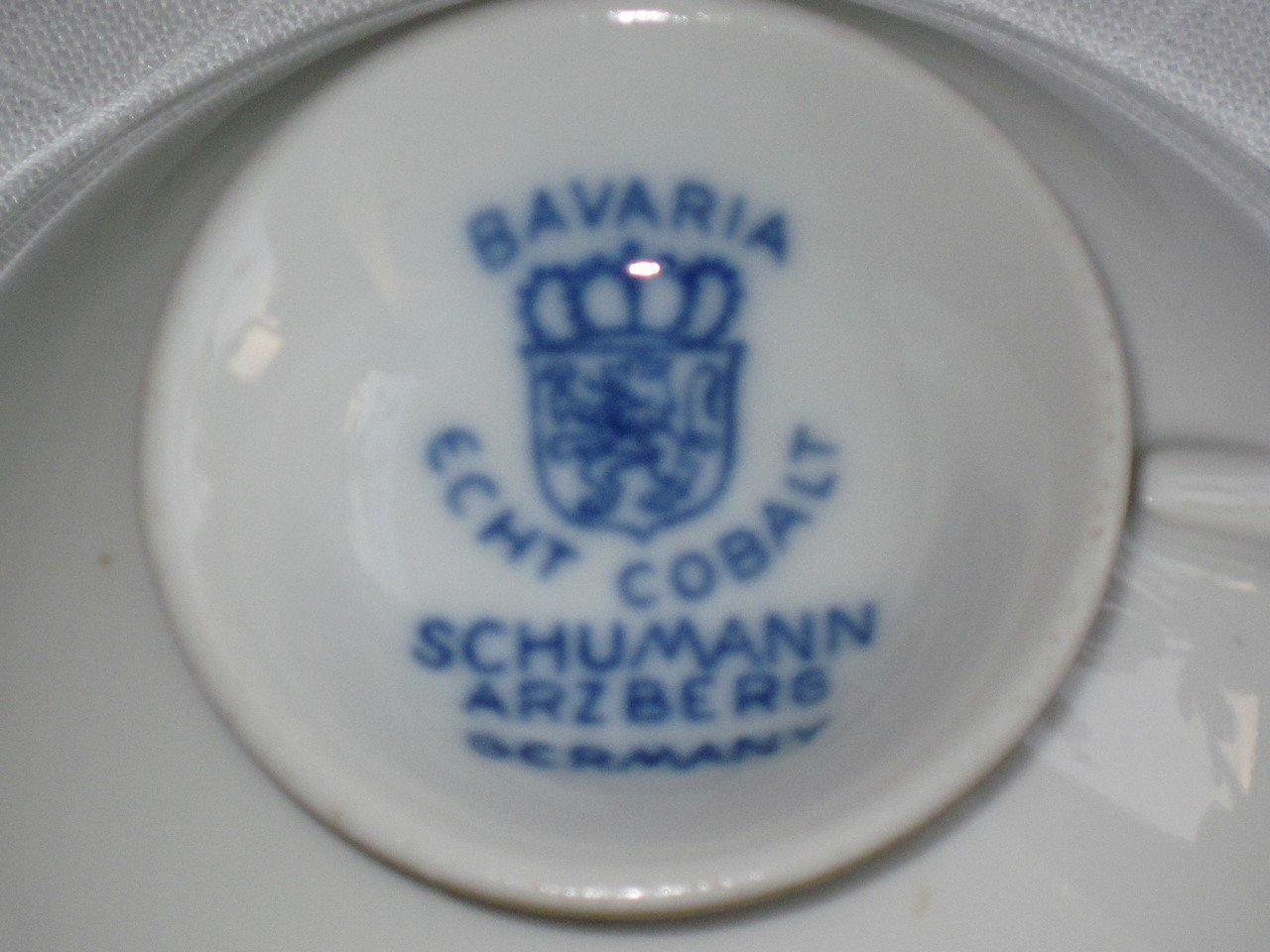 bavaria echt cobalt schumann arzberg germany sammeltassen gedeck. Black Bedroom Furniture Sets. Home Design Ideas