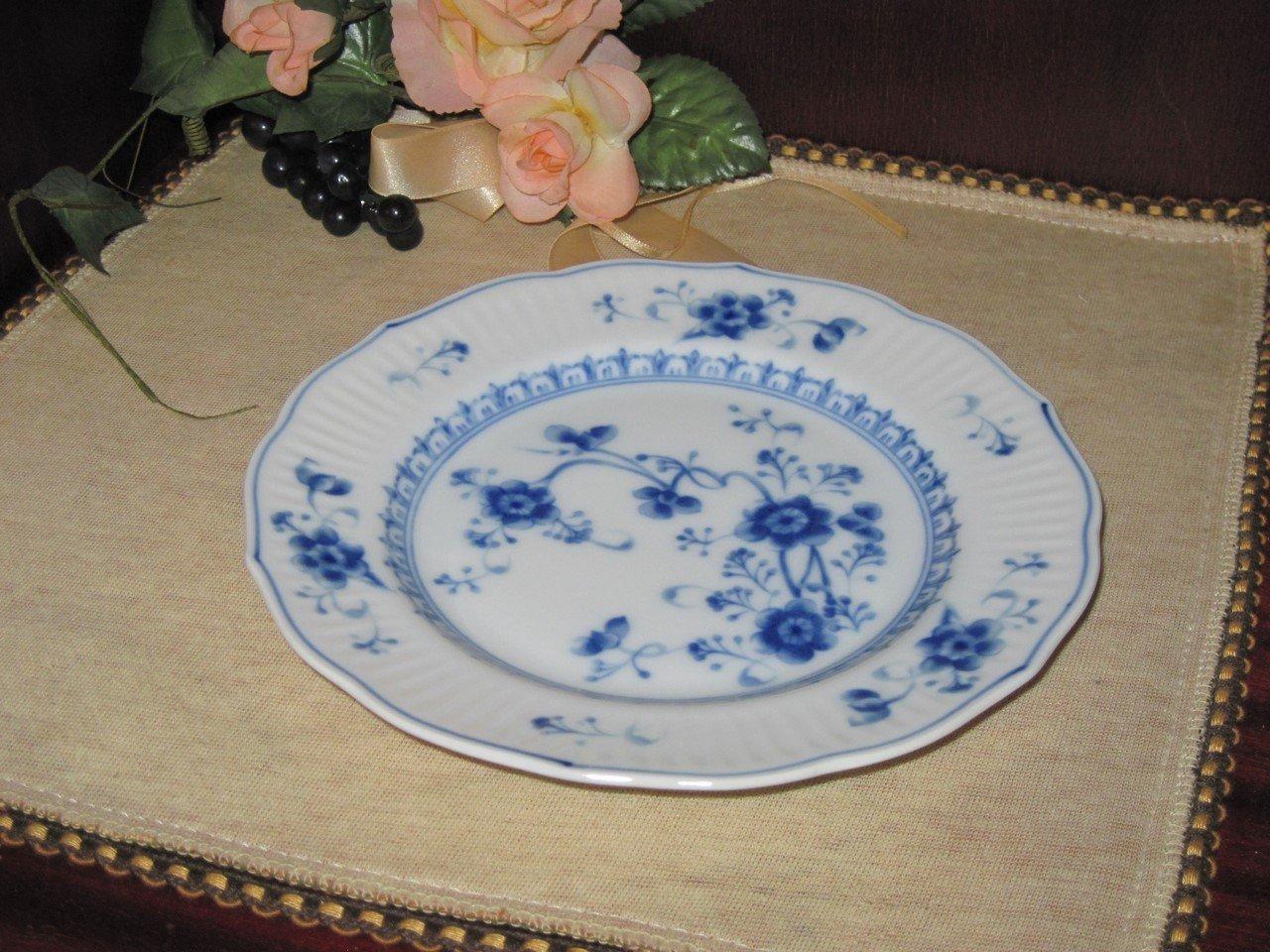 bread butter plate victoria blue no 7050 blaue blumen einmalig. Black Bedroom Furniture Sets. Home Design Ideas